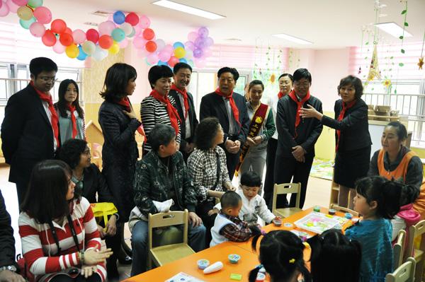 """开展""""童心向党61快乐成长""""放飞我的中国梦"""